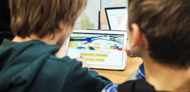 """Genial digital? Entwicklung und Erforschung digitaler Kunstvermittlung im Museum"""