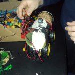 Schrott-Roboter Workshop: Hebocon - Mikrofinanzierungsprojekt